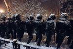 Бойцы, охраняющие админздания в Харькове, редко бывают дома и жалуются на плохое питание