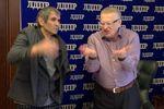 Жириновский и Алибасов поспорили на песню и хинкали