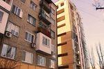 В центре Донецка из-за строительства новой многоэтажки треснула хрущевка