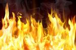 Под Харьковом сожгли здание, где находился офис регионалов