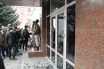 В Сети появилось видео, как возле СБУ в Хмельницком расстреляли митингующих