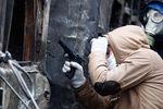 Львовские активисты захватили 1,5 тысячи единиц оружия и боевую пушку