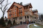 Дом Януковича – роскошь из камня и дерева