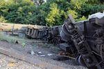 В Донецкой области сошли с рельсов 11 вагонов