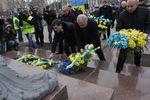 В Донецке прошло возложение цветов к памятнику Тарасу Шевченко