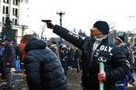 Милиция Харькова просит помочь опознать дебоширов, которые устроили потасовку перед ОГА