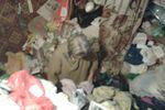 Под Киевом пожарные спасли бабушку, застрявшую в горе мусора
