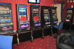 У подпольного казино в Киеве отобрали деньги и автоматы