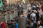 В Донецке пророссийские активисты захватили ОГА и дали время депутатам до 24:00 (обновляется)