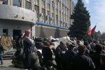В Луганске сепаратисты заминировали здание и удерживают 60 человек - СБУ