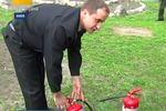 Украинских священнкиков учат укрощать огонь