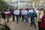 В Харькове пророссийские активисты требовали отпустить задержанных возле ОГА