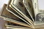 Долларом в Украине торгуют уже по 12,5 грн