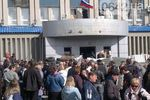 Если сепаратисты в Луганске не сдадутся, придется прибегнуть к силе - замглавы АП