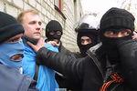 В Славянске  вооруженные лица захватили журналистов