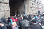 Возле горсовета Харькова напряженная обстановка, возможен захват здания