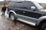Расстрел в Славянске: кровь и следы от пуль на машинах
