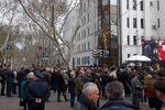 Сотни одесситов пришли проститься с Борисом Литваком