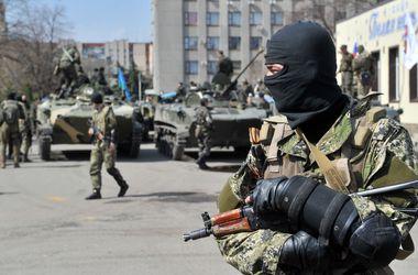 МВД призвало донецких захватчиков сложить оружие, переговоры продолжаются