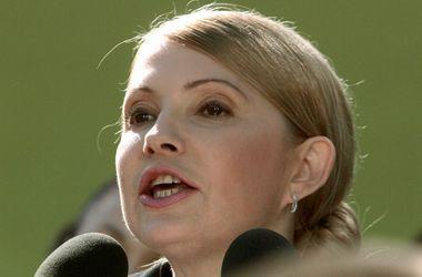 Тимошенко настаивает на введении ЧП в конфликтных регионах Украины