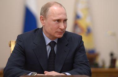 Путин пообещал крымским пенсионерам и бюджетникам поднять доходы на 25%