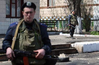 Зам Коломойского сказал, что защитникам воинской части в Мариуполе заплатят полмиллиона гривен