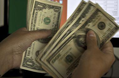 Доллар откатился до 11,1 грн