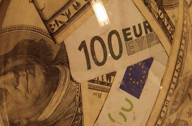 Цены на доллар и евро почти замерли