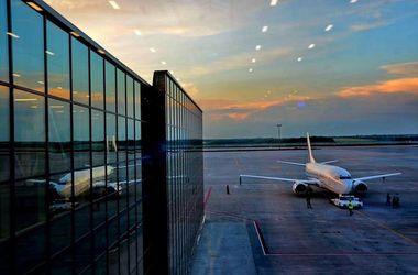 В Донецкий аэропорт прибыли 70 пророссийских активистов