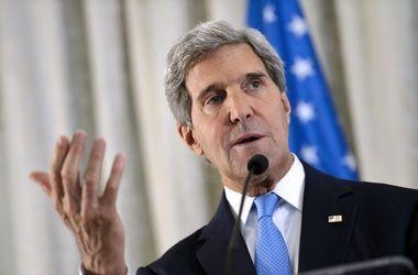 Украина в ближайшие дни должна начать выполнение мер по выходу из кризиса - Керри
