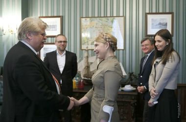 ЕС ждет от РФ выведения войск и освобождения зданий на юго-востоке Украины - Тимошенко