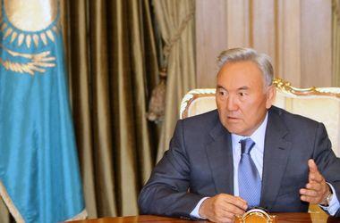 Президент Казахстана выступает против вмешательства во внутренние дела Украины