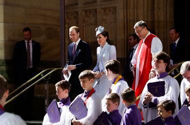 Принц Уильям и герцогиня Кэтрин после пасхальной службы отправились с принцем Георгом в зоопарк