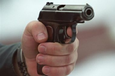 В московском метро мужчина расстрелял пассажиров: один человек в коме
