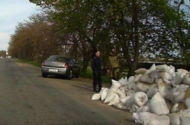 Одесские антимайдановцы сооружают на въезде в город блок-пост