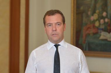 """Медведев назвал ситуацию с российским газом в Украине """"банальным воровством"""""""