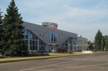 Луганский аэропорт прекратил отправлять рейсы