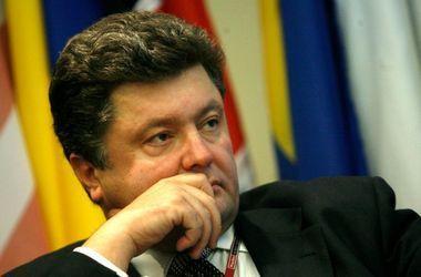 Порошенко считает недопустимым введение режима ЧП  в конфликтных регионах