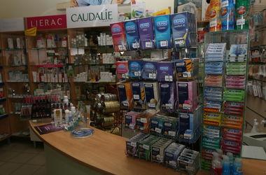 Киевлянин пытался украсть в супермаркете 192 презерватива