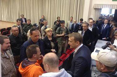 """Нардеп Кивалов """"отбивался"""" от активистов Евромайдана"""