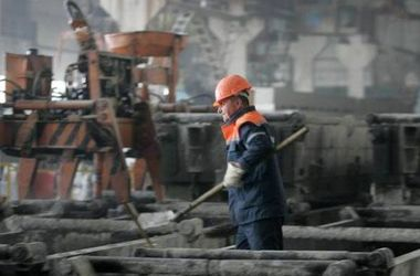 На металлургических предприятиях Днепропетровской области планируют поднять зарплаты