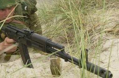 Военнослужащий, отбивавший атаку на складе боеприпасов в Артемовске, был ранен – Минобороны