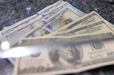 Доллар на межбанке вернулся к вчерашнему курсу