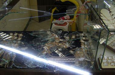 В Киеве иностранец ограбил ювелирный магазин