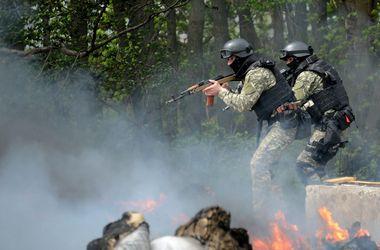 Бой за Восток: в Славянске в войне за блокпосты погибли 5 человек, а в Мариуполе и Донецке стреляли в мэриях
