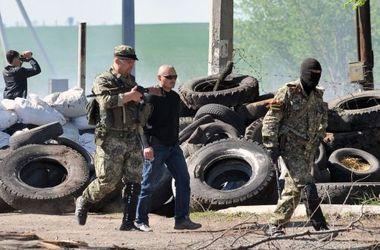 Турчинов заявил, что сотни тысяч украинцев готовы защищать страну от России