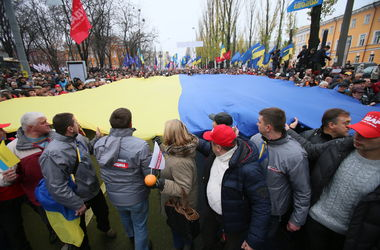 Децентрализацию власти нужно было вводить сразу же после Майдана – эксперт