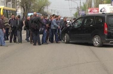 В Краснодоне снова появились блокпосты – на них дежурят журналисты российских каналов