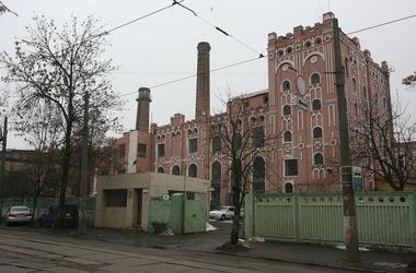 В Киеве загорелось здание пивзавода на Подоле