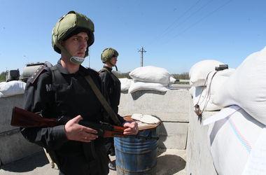 Бойцы ВВ взяли под контроль автомобильные въезды в Донецк